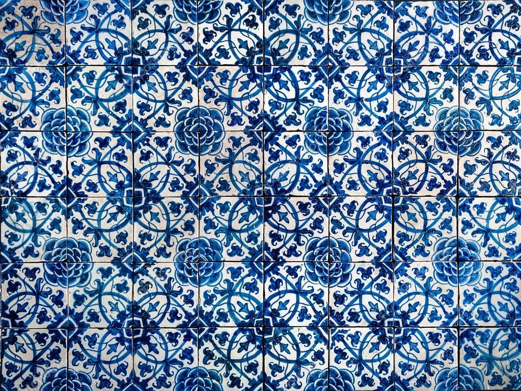 Azulejos antiguos foto de stock 54793797 depositphotos for Azulejos clasicos