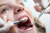 Young girl at dentist. — Stock Photo