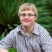 Portrait of handicapped boy wearing glasses. — Stockfoto