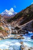Mountain scenery in Himalaya in autumn — Stock Photo