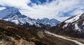 Belas paisagens alpinas no Himalaia — Fotografia Stock
