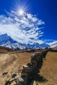 Mountain scenery in Himalaya, Nepal — 图库照片