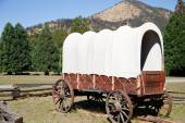 Old west covered wagon — Stock Photo