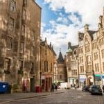 Old town in Edinburgh — Stock Photo #80023868