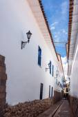 Narrow Colonial Street — ストック写真