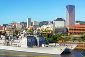 Downtown Portland and Navy Ships — Stock Photo