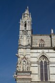 Side view of the gothic Cathedral of Siena (Italy) — Stock Photo