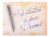 Oud papier grunge achtergrond - aandacht besteden aan uw dromen — Stockfoto