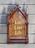 Decorative wooden sign - Live love life — Stock Photo