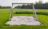 качели в парке — Стоковое фото