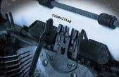 старая пишущая машинка с бумагой — Стоковое фото