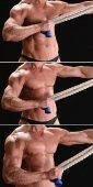 Muscular culturista con cuerda — Foto de Stock