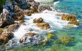 Nature scene rock beach and sea in koh Larn island — Foto Stock
