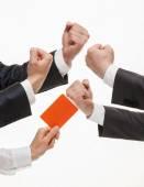 Empresarios compiten, juez mostrando una tarjeta de — Foto de Stock