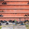 Shoes left on temple steps, Thailand — Zdjęcie stockowe #77210721