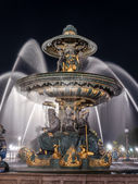 Fountain on Place de la Concorde — Stock Photo