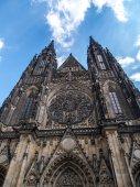 Cathedral of Saints Vitus, Wenceslaus and Adalbert in Prague — Stock Photo