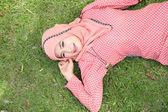 Beautiful muslim girl pink hijab wearing fashion — Stockfoto