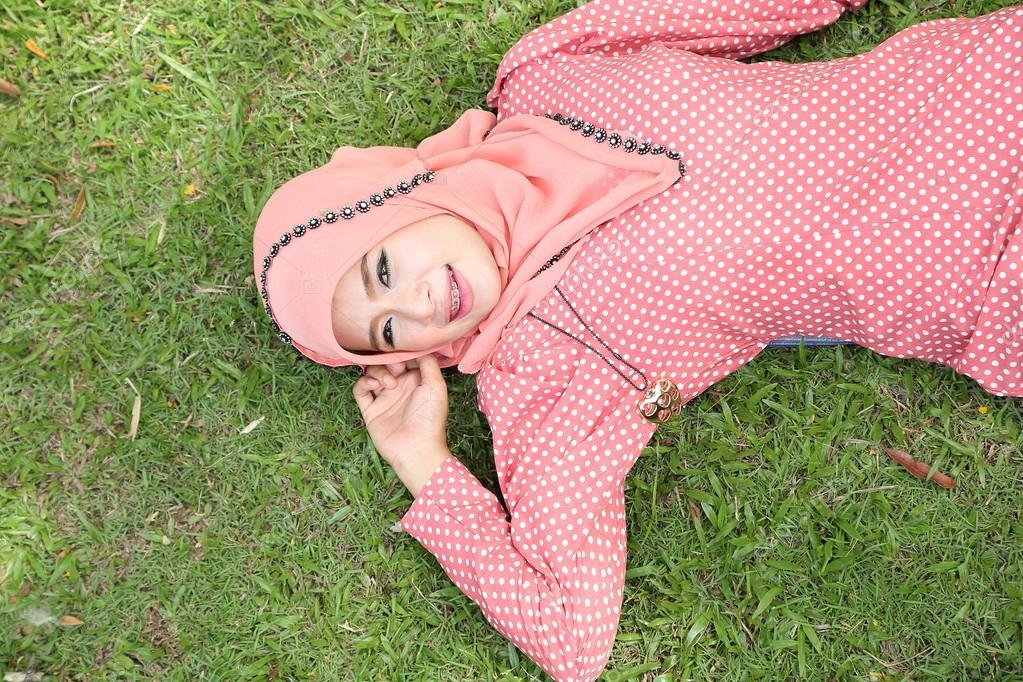 belle rose muslim girl personals Chat with other members with a live video instant messenger or join on of our belle rose chat site rooms and meet singles  belle rose girls    muslim dating.