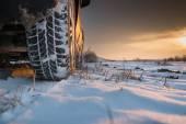雪の冬用タイヤ — ストック写真