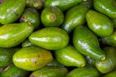 Avocados fruit background sell in Dalat Market — Stock Photo