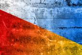 Poland and Ukraine Flag painted on grunge wall — 图库照片