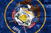 Utah State Flag painted on grunge wall — Zdjęcie stockowe