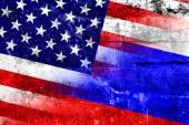 USA and Russia Flag painted on grunge wall — Zdjęcie stockowe