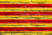 Bandiera di Catalogna dipinta sul muro di mattoni — Foto Stock