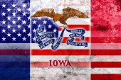 USA and Iowa State Flag with a vintage and old look — Stock Photo