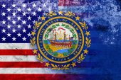 USA and New Hampshire State Flag with a vintage and old look — Stock Photo