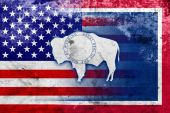 USA and Wyoming State Flag with a vintage and old look — Stock Photo