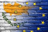 Drapeau de chypre et l'union européenne peint sur le mur de briques — Photo