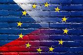česká republika a evropská unie vlajka maloval na zdi — Stock fotografie