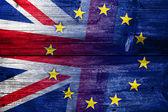 United Kingdom and European Union Flag painted on old wood plank texture — Stockfoto