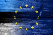 Estonia and European Union Flag painted on old wood plank texture — Stock Photo