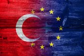 Turkey and European Union Flag painted on old wood plank texture — Stockfoto