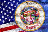 США и флаг штата Миннесота подрисовали гранжевую стену — Стоковое фото