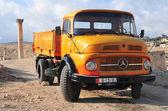 Classic Mercedes Pickup Truck - Jerash, Jordan — Stock Photo