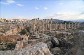 Roman Columns - Jerash, Jordan — Stock Photo