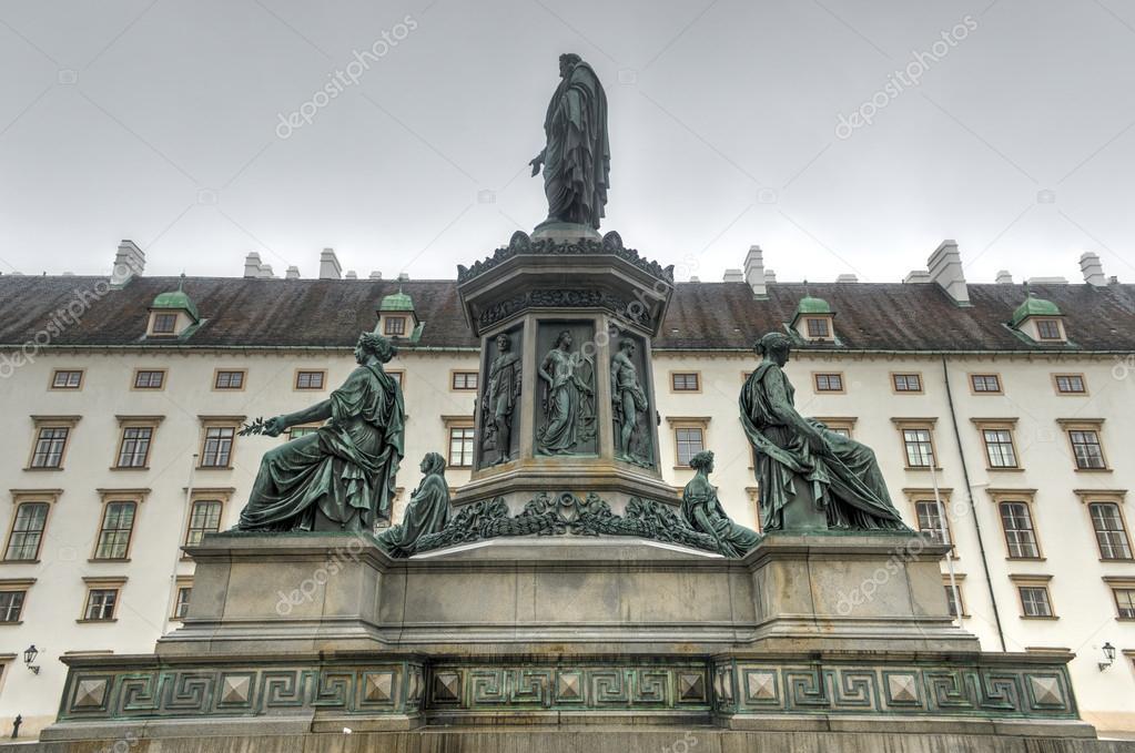 Imperatore franz i cortile del palazzo di hofburg for Piani di coperta del cortile