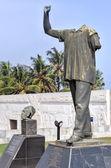博士夸梅 · 恩克鲁玛 vanzalized 雕像 — 图库照片
