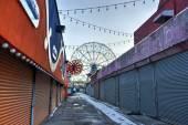 Coney Island Attraction Park, Winter — Stock Photo