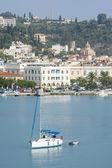 Sailboat in the bay of town Zakynthos — Stockfoto