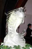 Ice sculpture of fish — Stock Photo