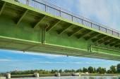 Ren üzerinde köprü — Stok fotoğraf