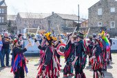 SKIPTON ENGLAND APRIL 6TH: Morris dancers put on a public displa — Stock Photo
