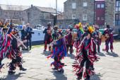 SKIPTON ENGLAND APRIL 6TH: Morris dancers put on a public displa — Stock Photo