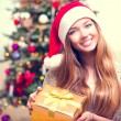 Girl With Christmas Gift Box — Zdjęcie stockowe #59944087