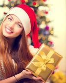 Girl With Christmas Gift Box — Stock Photo